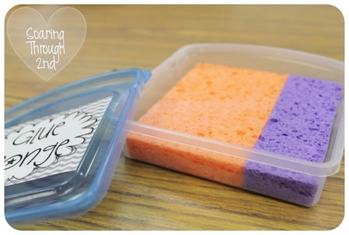 12 Glue Sponges Tutorials - Every Detail Explained -use a dollar tree tupperware to make - Teach Junkie