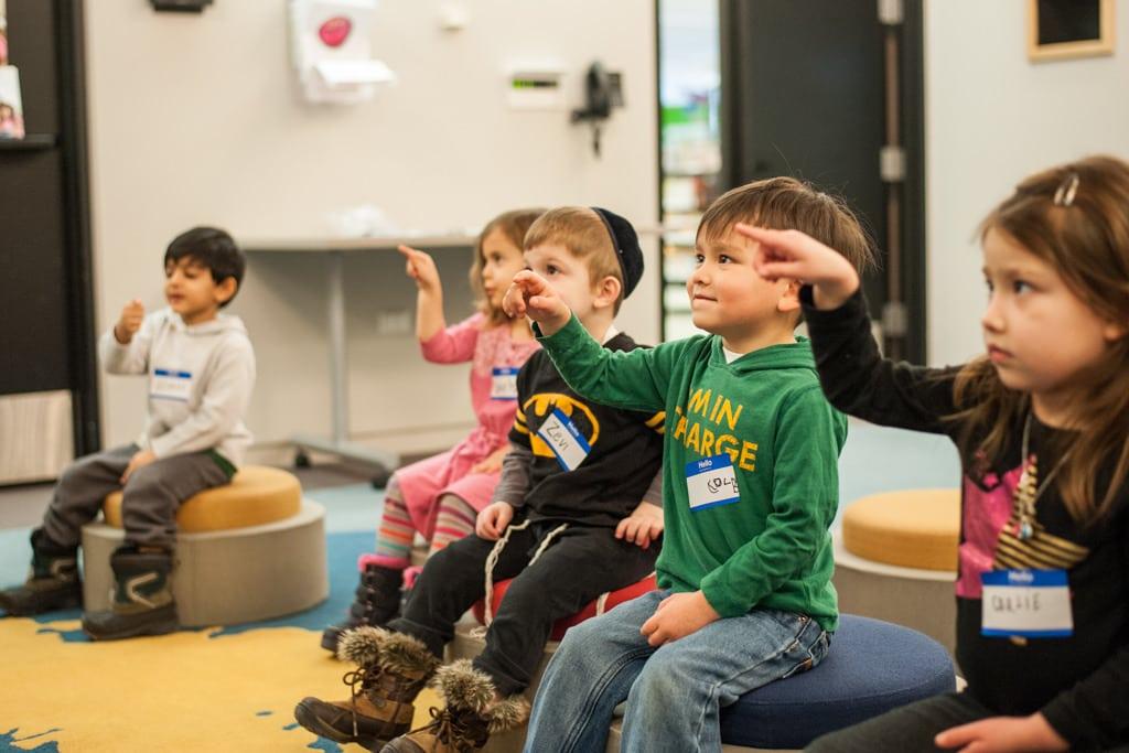 How to help preschoolers stand in line